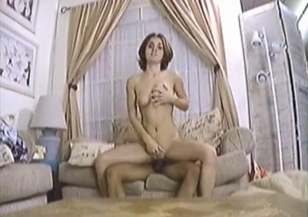 Cute Babe Sara Is Sucking Cock With Eye Contact and Gets Fucked