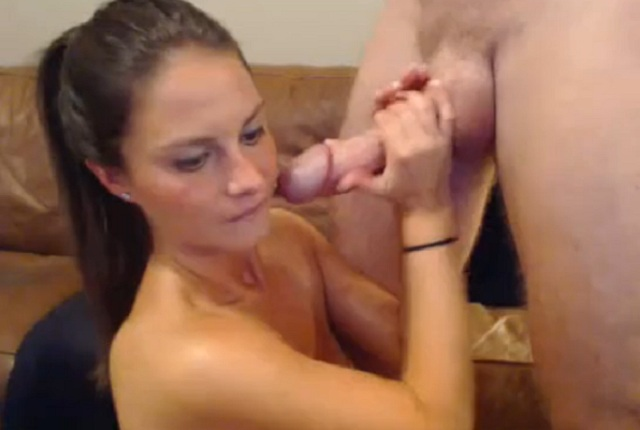 Hot wife sucks dick