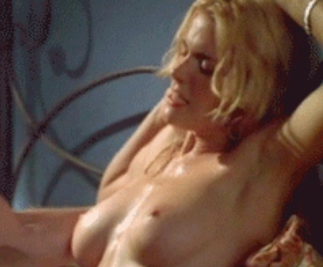 Hot Sex Scene Celebrity Hudson Leick's Jiggling Tits