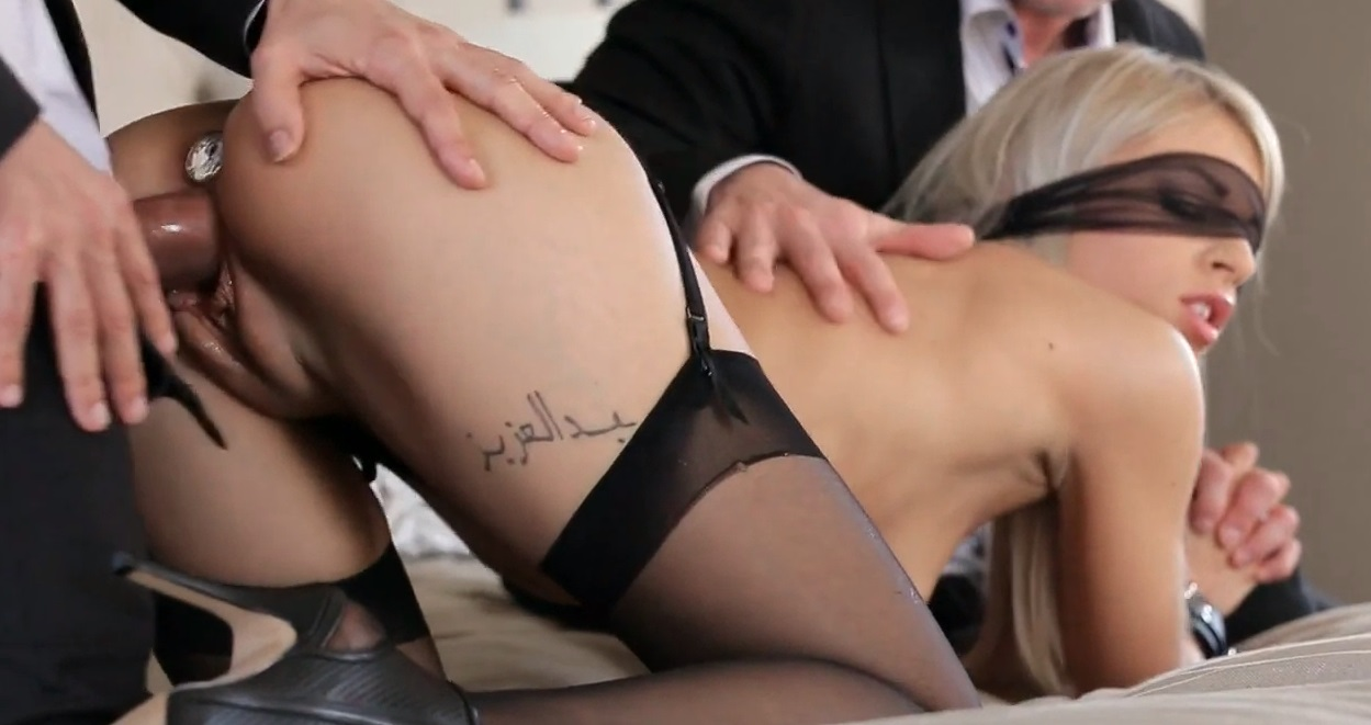 Chloe fucked with the luxury buttplug