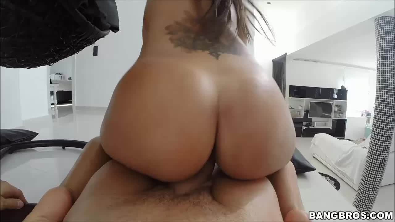 Fat ass and huge tits of Satin Bloom