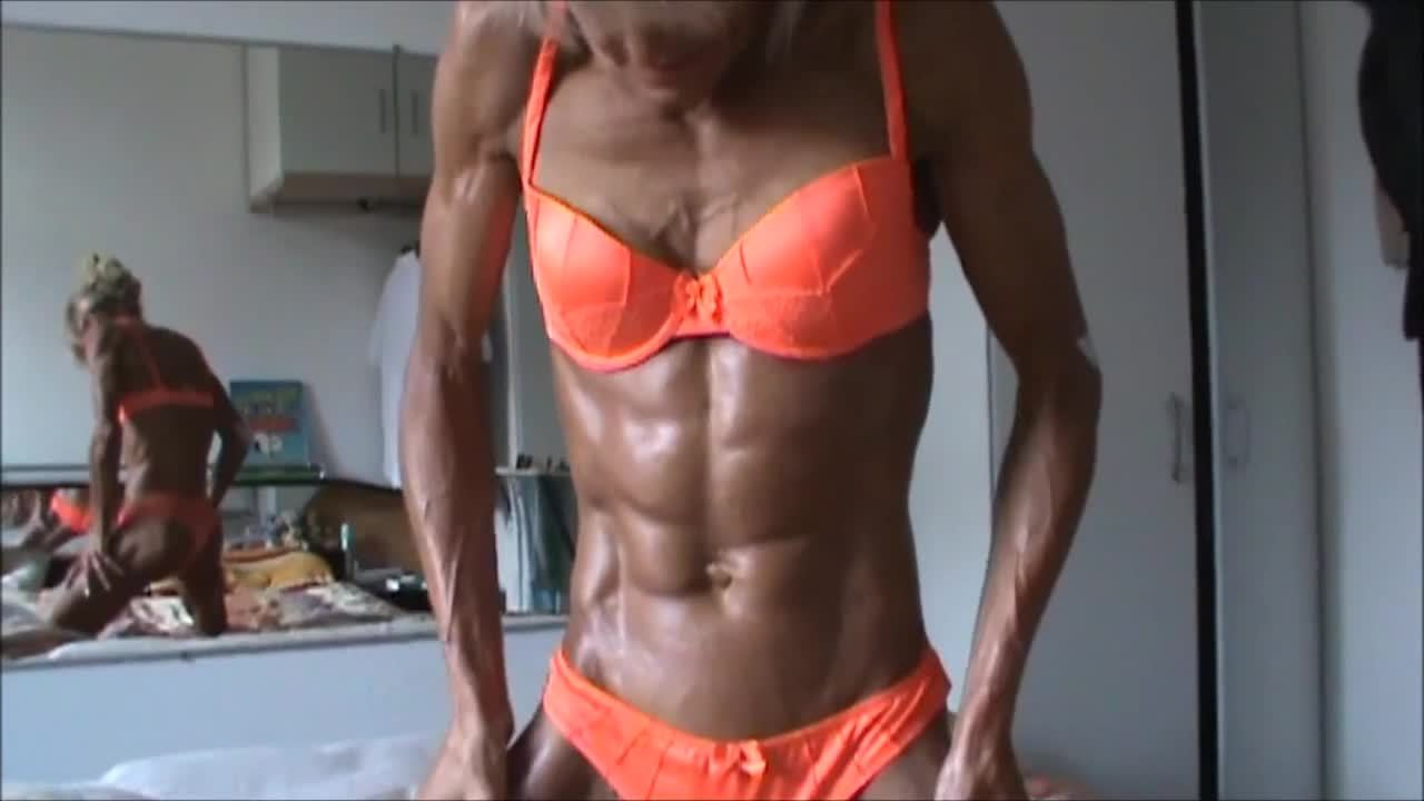 Muscle MILF Ripped and Shredded on Webcam