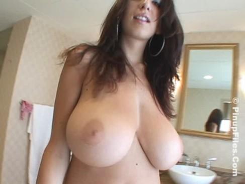Big tits of Jana Defi are the strongest aphrodisiac