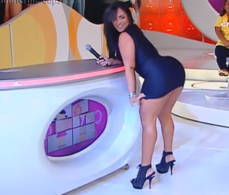 Super tight chubby Spanish celebrity ass shaking