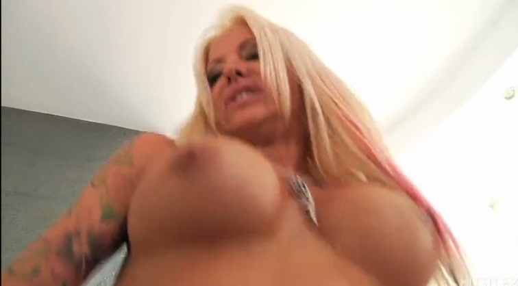 School Nostalgia showed in sex with busty blonde Helly Mae Hellfire