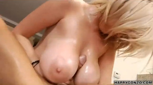 Huge rack amateur gets titty cumshot