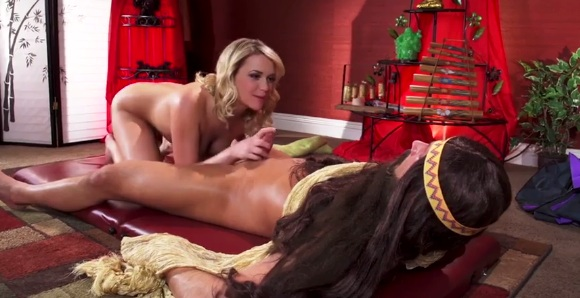Mia Malkova fucked by masqued masseure